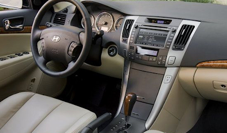hyundai sonata looking at the 2009 model car tuning central car tuning central. Black Bedroom Furniture Sets. Home Design Ideas